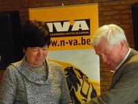 Frieda Brepoels en bestuurslid Michel Thijs